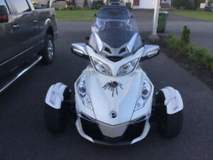 Spyder 2014 can-am Spyder RT-S SE6