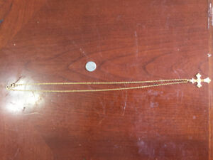 18k solid gold cross and chain .30 inches long
