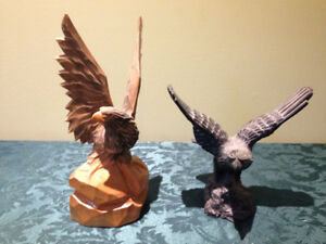 Christmas, wolf, birds of prey plates and figurines