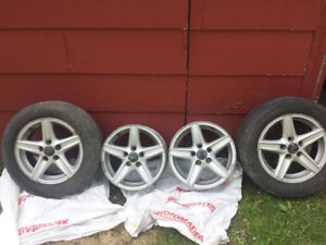 3x P195/60R15 Michelin Radial X + 4x Volvo Alloy Rims