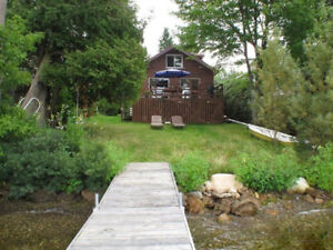 Maison à louer sur le bord du lac Magog