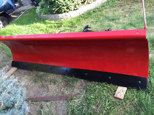 Like New  7,6 feet Snow Plow with Harness and Pump