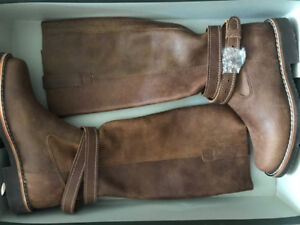 Roots  women's Western Riding Boots - Brand new in box