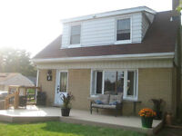 OPEN HOUSE TODAY 2-4PM! Great starter home for a great price!