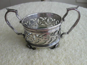 A CLASSY LITTLE SILVER-PLATED OPEN BON BON DISH..[FOOTED]
