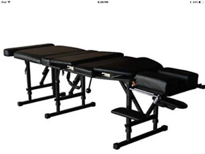 Foldable chiropractor beds
