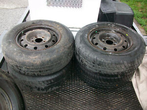 "Dodge Caravan 15"" Wheels and Tires 215/70R15"