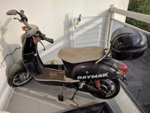 Daymak Jena 48v eBike Scooter