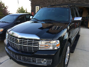 2012 Lincoln Navigator Loaded SUV, Crossover