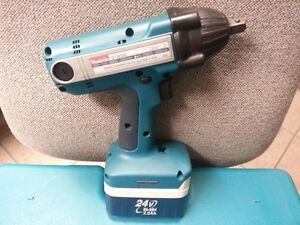 "MAKITA BTW200 24V 1/2"" Impact Wrench with Battery & Case - NO C"