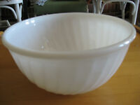 """VINTAGE SMALL WHITE """"FIRE-KING"""" [stamped] 6"""" ROUND MIXING BOWL"""
