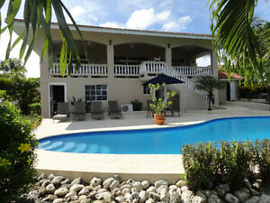 Large Bright Villa, Ocean View, walk to the beach