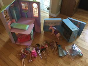 Maison Barbie, jet et 9 Barbies