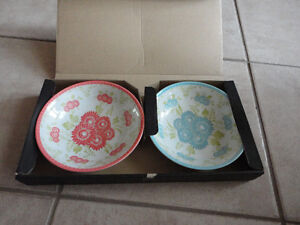Brand new in box Hallmark Set of 2 coral pink and blue bowls London Ontario image 1