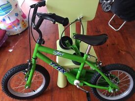 Trax kids bike with stabiliser and helmet guards set