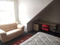 Room to let 10 min from Sheffield Center