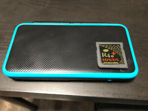 Nintendo 2DS XL w/ CFW and R4i - 10/10 Condition