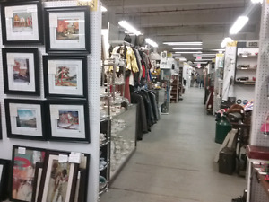 Art, antiques,  collectibles plus 1000 booths to explore