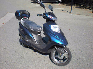 scooter  dyad e-scooter  $750.00