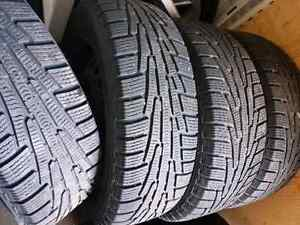 Top of the line winter tires like new 225/65/17