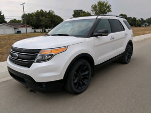 2013 Ford Explorer XLT 4x4 with all options