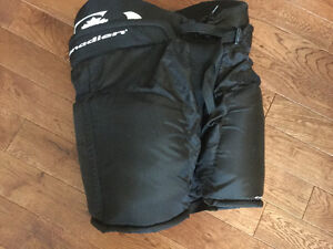 Canadien Hockey Pants Jr Youth Large $25