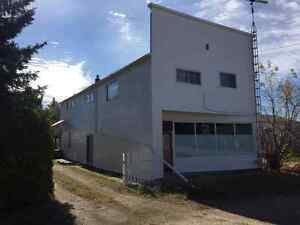 Large 2 Story with Double Detached Garage in Metiskow, AB