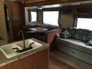 2014 Salem 31 Ft. Travel Trailer with Outdoor Kitchen Kawartha Lakes Peterborough Area image 6