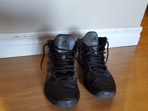 Youth Running shoes Size 6