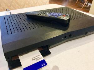 BELL Expressvu 3100 Satellite Receiver & Remote