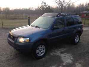 05 FORD ESCAPE 181000KMS SAFETY AND ETESTED.