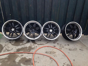 5 peace 20 inch very nice rims 5 Bolt Mercedes . Audi BMW fit