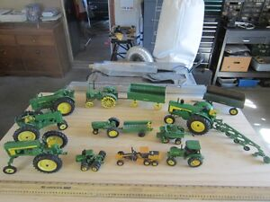 COLLECTABLE JOHN DEERE TRACTOR'S