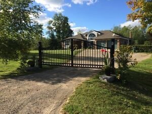 Country OPEN HOUSE SAT 2-4 PM, East of CAMB