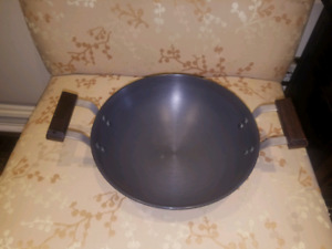 Hawkins Futura deep frying pan