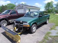1999 Chevrolet S-10 4X4 Pickup Truck plow truck
