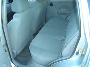 2005 PONTIAC  WAVE 4 DR HATCHBACK....SAFETIED & E-TESTED London Ontario image 5