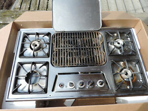 "36""  Gas four burner stovetop with BBQ/griddle combo"