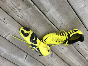 Score some goals with these great soccer shoes!