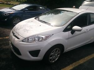 2012 Ford Fiesta SE Sedan - loaded