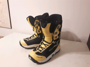 Snowboard Boots size 8M.