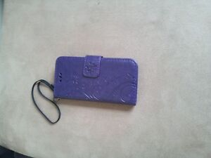 Beautiful purple case in good condition for iPhone 5s / 5c / 5