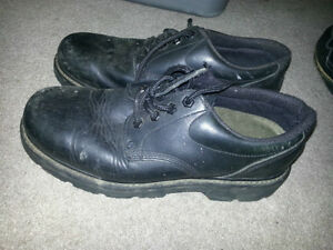 SAFTY WORK SHOES BY CAT!! SIZE 9.5 OR 10. see my other ads!!!!!!
