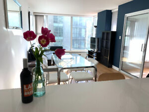 Spacious & Furnished 1-Bed+Den in Yaletown for Rent