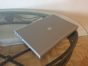 Laptop hp elite Book 8460p ( 4 GB /320 GB/ intel i5 2eme gen)