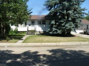 Rent reduced on house in Tofield--now $1000.00