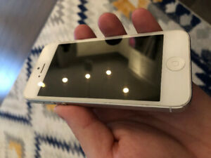 iPhone 5- White- Bell