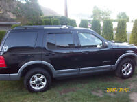2002 Ford Explorer XLT SUV, Crossover