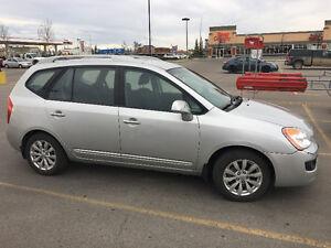 2012 Kia Rondo EX Minivan, Van