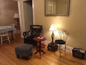 MARCH 1st - DOWNTOWN LARGE BEAUTIFUL ROOM - INCLUDES UTILITIES